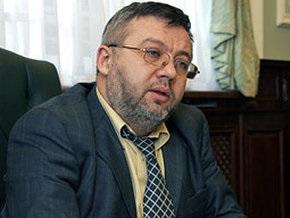 Тимошенко обещает защищать экс-замглавы Нацбанка от репрессий
