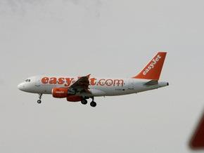 Аэробус А-320 совершил экстренную посадку во Франции из-за запаха дыма в салоне