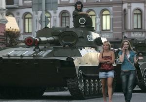 Латвия на один день одолжила Эстонии танк