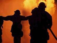 На помощь в Лозовую спешат пожарные танки из других областей