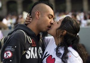 Сегодня отмечают Всемирный день поцелуев