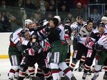 В российском хоккее произошла крупнейшая в истории драка