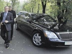 СМИ: Черновецкий продал Maybach, а Кильчицкая - Hummer