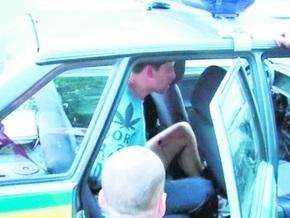 Пьяный киевлянин разбил несколько авто и бросался с ножом на гаишников