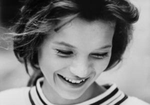 Фотографии 14-летней Кейт Мосс уйдут с молотка