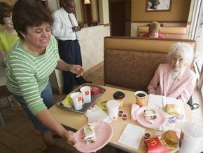 Американка случайно отпраздновала 100-летний юбилей в McDonald s