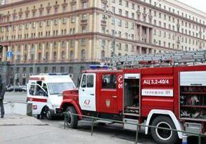 Движение в центре Москвы парализовано из-за взрывов в метро