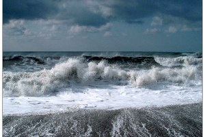 МЧС предупреждает о шторме в акватории Черного моря