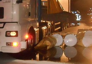Новости Германии - пробки в Германии: В Германии пролившиеся на шоссе две тысячи литров меда остановили движение транспорта