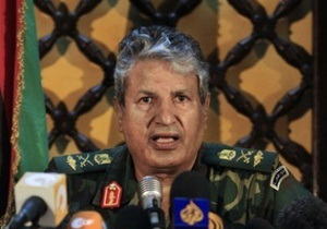 Ливийский министр: Главнокомандующего ливийских повстанцев убили сами мятежники
