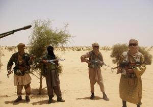 В Мали радикальные исламисты крушат древние гробницы святых