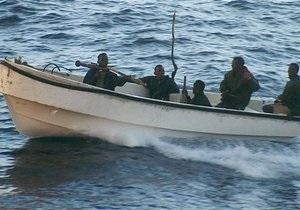 Пираты захватили греческий супертанкер с 270 тысячами тонн нефти на борту