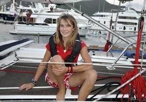 16-летняя жительница Нидерландов в одиночку совершила кругосветку на яхте
