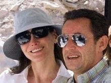 Фотография голой жены президента Франции уйдет с молотка
