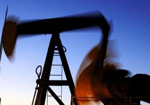 Цены на нефть в Европе снижаются из-за долгового кризиса