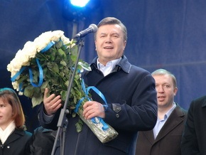 Опрос: Янукович с большим отрывом лидирует в президентской гонке