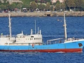 Судно с протухшим мясом до сих пор стоит у побережья Крыма