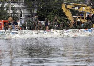 В столице Таиланда продолжается сильнейшее за полвека наводнение