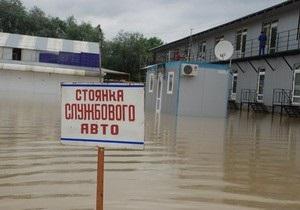 Наводнение: Черновицкий губернатор просит Ахметова, Пинчука, других бизнесменов и политиков о помощи