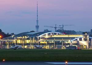 Поляк получил два года тюрьмы за шутку о минировании самолета в Жулянах