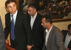Новые власти Грузии хотят вернуть парламент  в Тбилиси