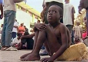 На Гаити осиротевших после землетрясения детей продают на органы