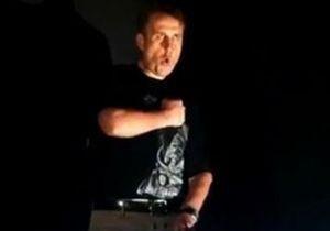 Кандидат в нардепы из Луганска спел песню про Путина