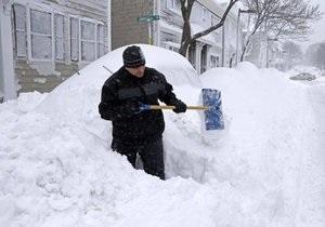 Новости США - снег США - Национальная гвардия США эвакуирует жителей прибрежных городов. Есть первые жертвы стихии - снежная буря