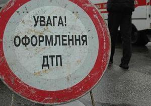 В Киеве Porsche снес остановку