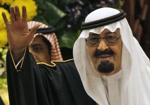 Король Саудовской Аравии дал женщинам право голоса в совете