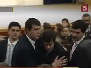 Журналист, сорвавший выступление Медведева, уволен с работы
