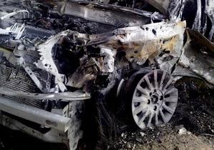 Четыре автомобиля сгорели возле жилого дома в Севастополе