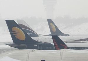 Работника бельгийской авиакомпании уволили за съеденные пирожные