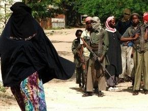 В Сомали боевики публично секут женщин за ношение бюстгальтеров