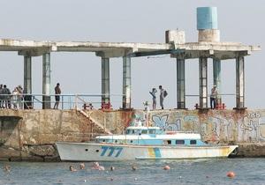 Бердянскому пенсионеру в море катером отрезало ногу
