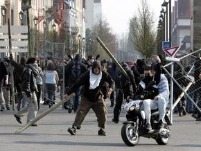 Во Франции полиция разогнала противников НАТО слезоточивым газом