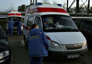 В России строительный кран упал на проезжую часть, раздавив три автомобиля