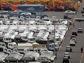 В Украине продажи новых авто сократились более чем в три раза