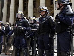 Во Франции из-за гибели разносчика пиццы, убегавшего от полиции, произошли беспорядки