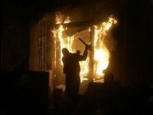 Демонстранты подожгли посольство США в Белграде