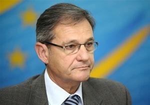 ЕС отвергает обвинения МИД Украины в адрес главы представительства Еврокомиссии в Киеве