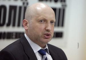 Турчинов: ГПУ уже в пятницу попытается возобновить дела против ближайшего окружения Тимошенко