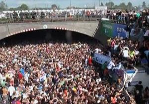 Фотогалерея: Трагедия в Дуйсбурге. В давке на музыкальном фестивале в Германии погибли 19 человек