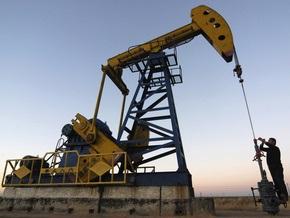 Цена на нефть упала более чем на два доллара