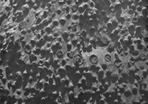 На поверхности Марса нашли необычное скопление крошечных шаров