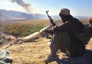 В Афганистане талибы сожгли автоколонну снабжения ISAF, есть жертвы