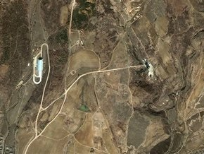 СМИ: КНДР приступила к заправке ракеты топливом