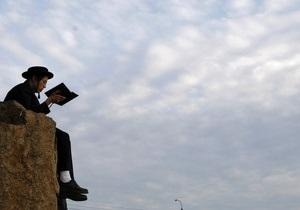 Украина депортировала в Израиль восьмерых хасидов