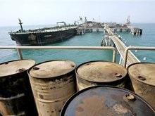 СМИ: Корабль ВМС США обстрелял иранский катер