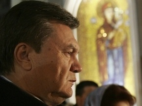 Игуменья Агапия благословила Януковича на президентство: Спаси Христоси Божий